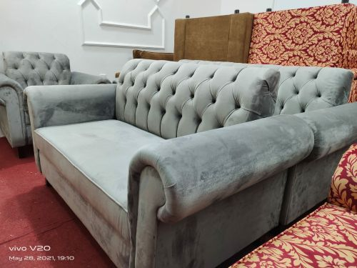 Very new sofa set ready for sell
