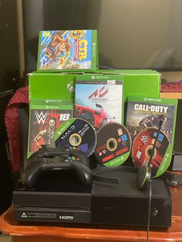 Xbox one with 7 games