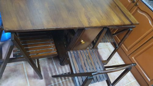 Foldable Dinning table 4 Chairs