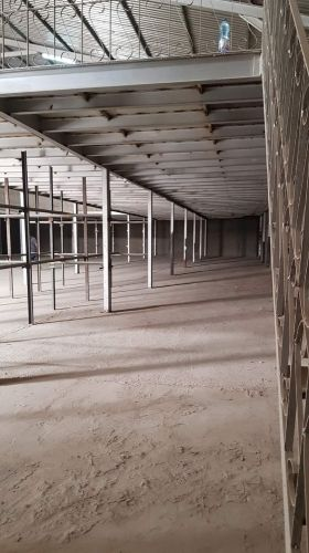 1500 sqm store in industrial area