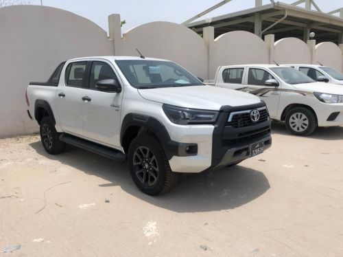 for sale Toyota hilux adventure 6 cylinder