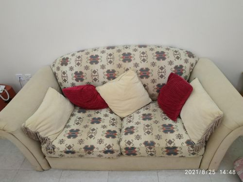 2 sofas for sale in alkhor