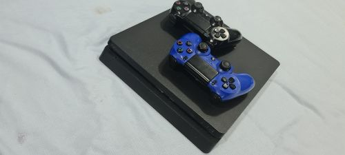 PS4 Slim 1TB Used With 2 Games