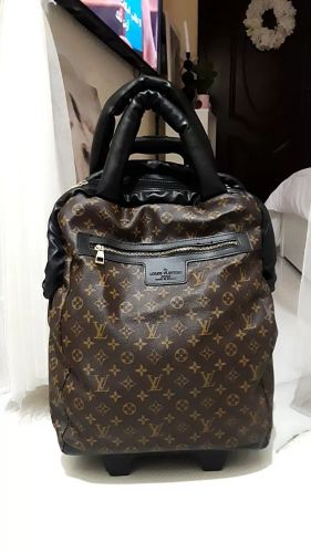 luis vuitton rolling luggage