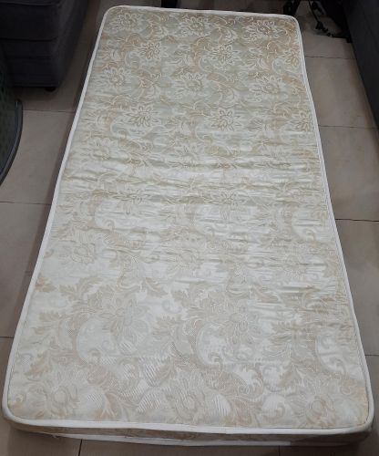 2 mattress like new both for 200