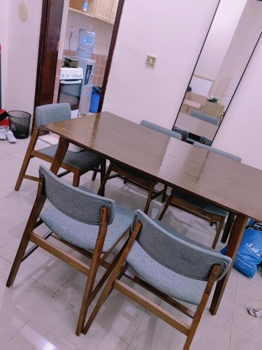 Dinning table like new