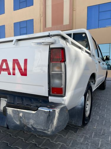 nissan Picup 22500 fixed price